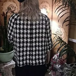 East 5th Jackets & Coats - SALE. Black and white crop blazer
